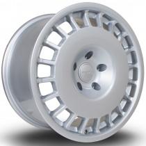 D154 17x9 5x120 ET38 Silver