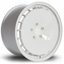 RM200 18x9 5x112 ET40 White